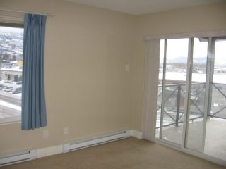 Photo 3: 404 - 256 HASTINGS AVENUE in PENTICTON: Residential Attached for sale : MLS®# 140039