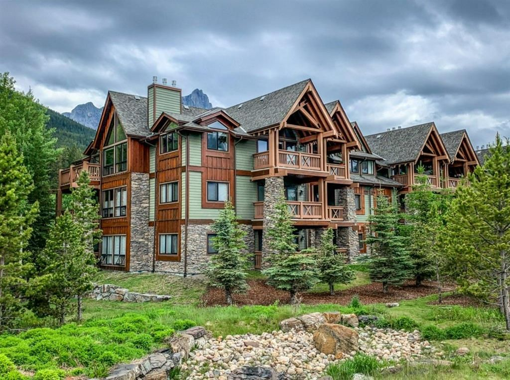 Main Photo: 109 106 Stewart Creek Landing: Canmore Apartment for sale : MLS®# A1126423