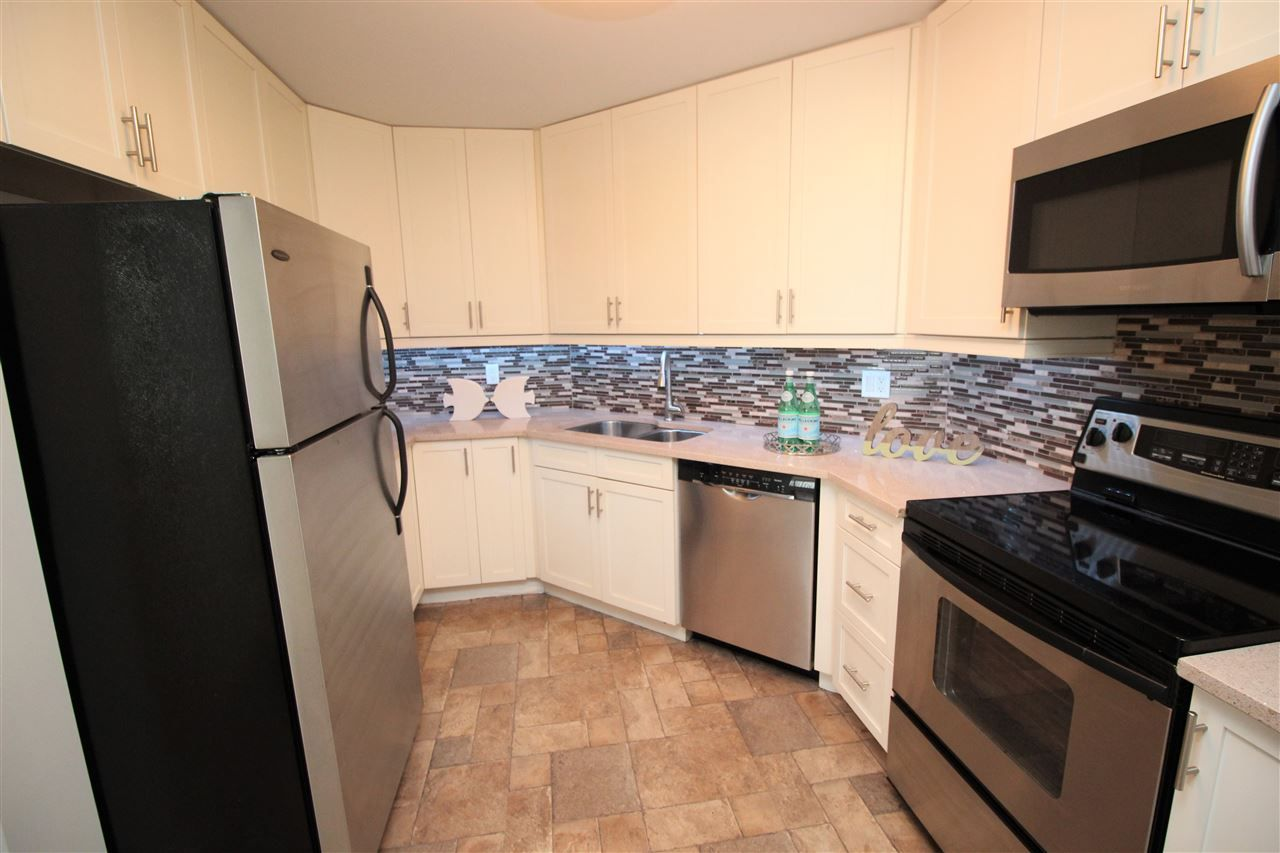 """Photo 15: Photos: 118 1150 QUAYSIDE Drive in New Westminster: Quay Condo for sale in """"WESTPORT"""" : MLS®# R2559746"""