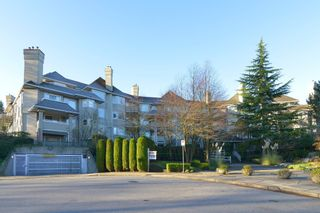 Photo 1: 406 3738 NORFOLK STREET: Condo for sale : MLS®# R2014068