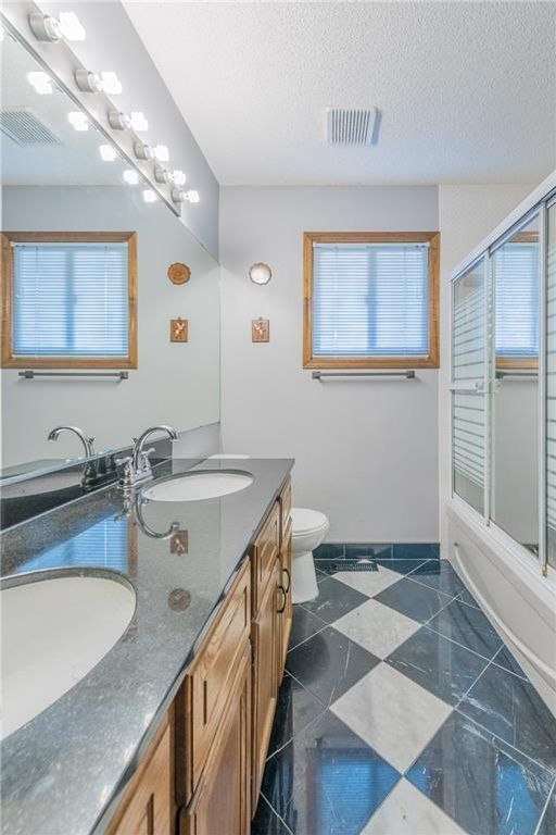 Photo 19: Photos: 25 Shannon Green SW in Calgary: Shawnessy House for sale : MLS®# C4140959