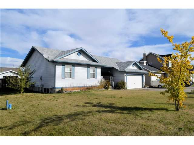 Main Photo: 2 WENSTROM Crescent: Langdon Residential Detached Single Family for sale : MLS®# C3588088