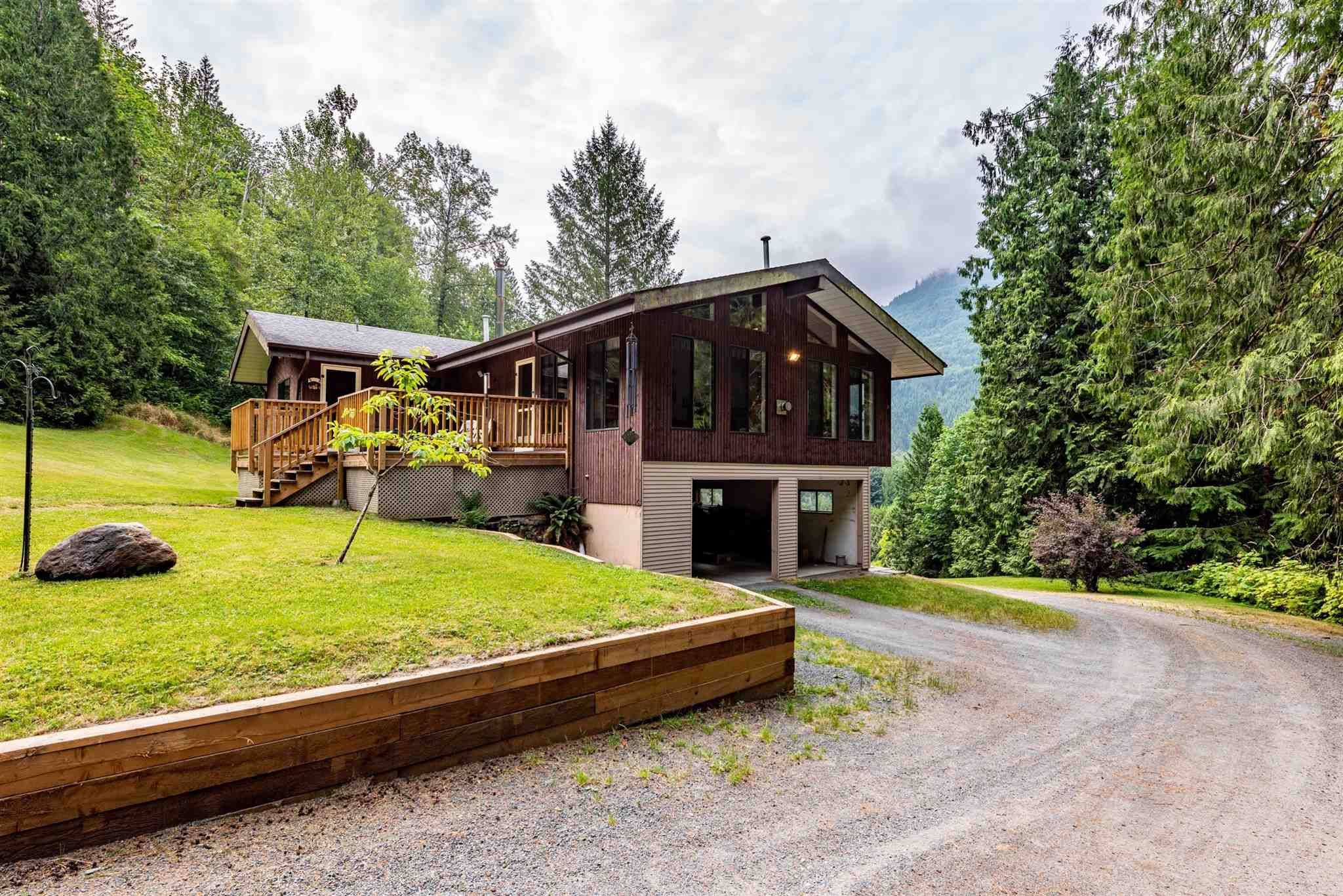 """Main Photo: 49199 CHILLIWACK LAKE Road in Chilliwack: Chilliwack River Valley House for sale in """"Chilliwack River Valley"""" (Sardis) : MLS®# R2597869"""