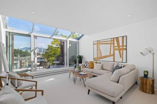 """Photo 3: 826 W 7TH Avenue in Vancouver: Fairview VW Townhouse for sale in """"Casa Del Arroyo"""" (Vancouver West)  : MLS®# R2606871"""