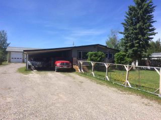 "Photo 3: 12827 MEADOW HEIGHTS Road in Fort St. John: Fort St. John - Rural W 100th Manufactured Home for sale in ""MEADOW HEIGHTS"" (Fort St. John (Zone 60))  : MLS®# R2513549"
