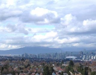 """Photo 1: 2005 5189 GASTON Street in Vancouver: Collingwood VE Condo for sale in """"THE MACGREGOR"""" (Vancouver East)  : MLS®# V812038"""