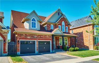 Main Photo: 10 Stephensbrook Circle in Whitchurch-Stouffville: Stouffville House (2-Storey) for sale : MLS®# N4160191