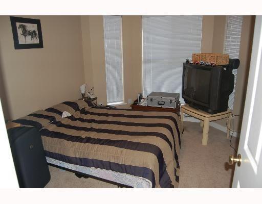 "Photo 4: Photos: 213 12464 191B Street in Pitt Meadows: Mid Meadows Condo for sale in ""LASEUR MANOR"" : MLS®# V640906"
