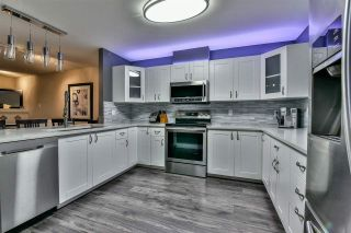 "Photo 5: 3 18181 68 Avenue in Surrey: Cloverdale BC Townhouse for sale in ""MAGNOLIA"" (Cloverdale)  : MLS®# R2141372"