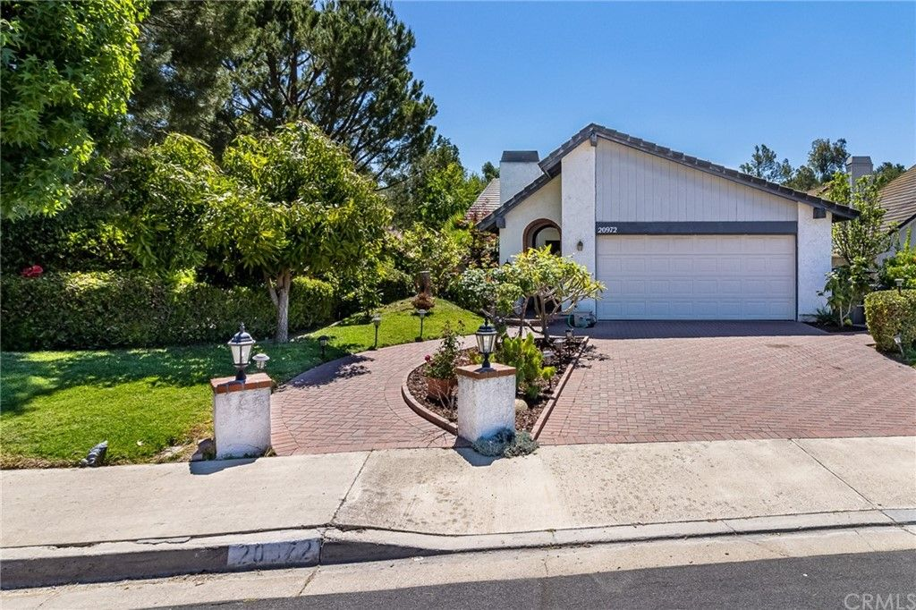 Main Photo: 20972 Sharmila in Lake Forest: Residential for sale (LN - Lake Forest North)  : MLS®# OC21102747