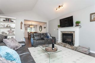 """Photo 10: 15739 96A Avenue in Surrey: Guildford House for sale in """"Johnston Heights"""" (North Surrey)  : MLS®# R2483112"""