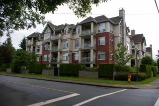 """Photo 2: 302 45700 WELLINGTON Avenue in Chilliwack: Chilliwack W Young-Well Condo for sale in """"The Devonshire"""" : MLS®# R2284567"""