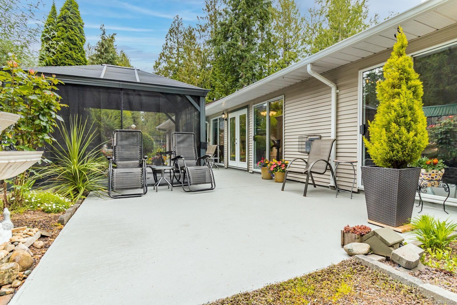 Photo 29: Photos: 1070 Symons Cres in : PQ Qualicum Beach House for sale (Parksville/Qualicum)  : MLS®# 878545
