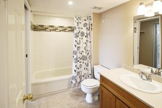 """Photo 7: 1005 460 WESTVIEW Street in Coquitlam: Coquitlam West Condo for sale in """"PACIFIC HOUSE"""" : MLS®# R2169493"""