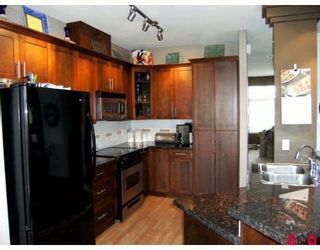 "Photo 6: 81 20449 66TH Avenue in Langley: Willoughby Heights Townhouse for sale in ""Nature's Landing"" : MLS®# F2900216"