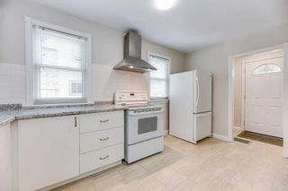 Photo 11: 269 E Queensdale Avenue in Hamilton: Eastmount House (1 1/2 Storey) for sale : MLS®# X5360840
