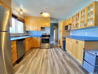 Photo 3: 201 Cross Street South in Outlook: Residential for sale : MLS®# SK851005