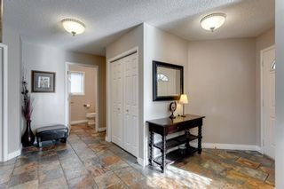 Photo 2: 127 Hawkmount Close NW in Calgary: Hawkwood Detached for sale : MLS®# A1094482