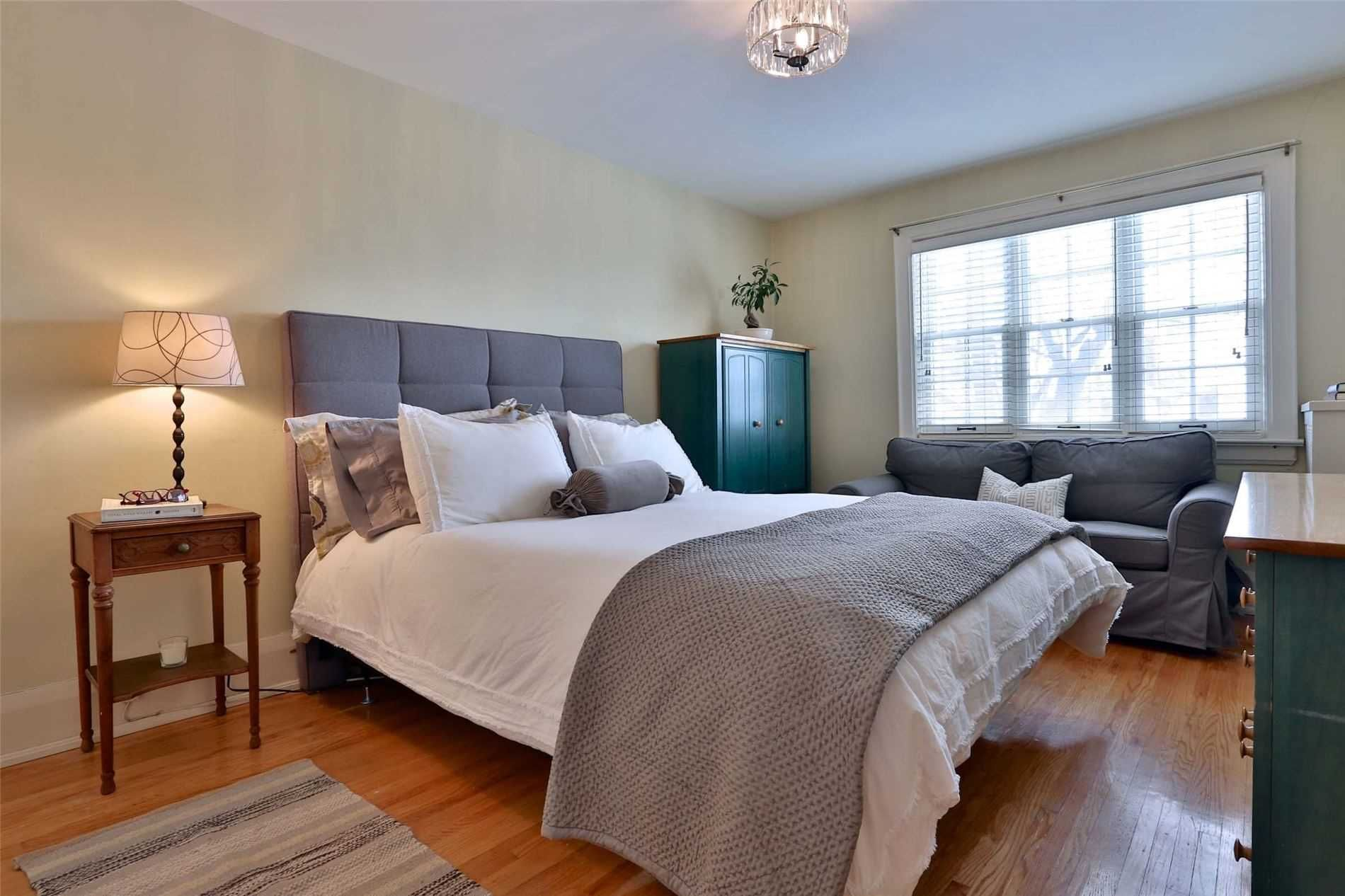 Photo 11: Photos: 15 Glen Castle Street in Toronto: Lawrence Park South House (2-Storey) for sale (Toronto C04)  : MLS®# C4704094