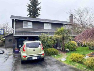 Photo 2: 5143 N WHITWORTH Crescent in Delta: Ladner Elementary House for sale (Ladner)  : MLS®# R2555307