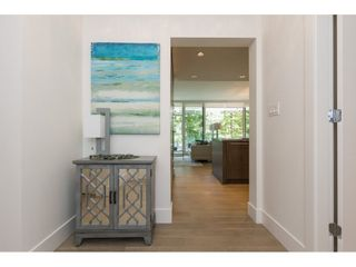"""Photo 3: 407 1501 VIDAL Street: White Rock Condo for sale in """"THE BEVERLEY"""" (South Surrey White Rock)  : MLS®# R2274978"""