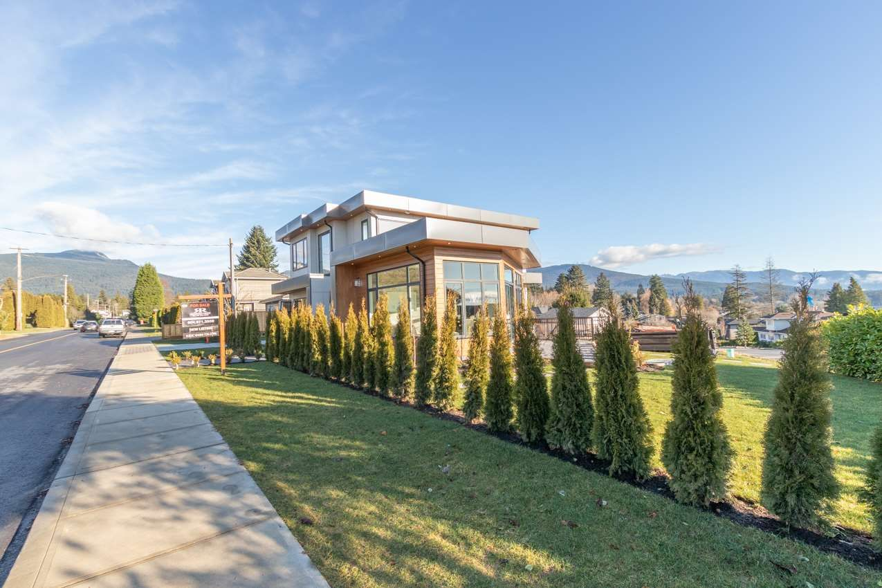 Photo 25: Photos: 900 HENDRY Avenue in North Vancouver: Boulevard House for sale : MLS®# R2526354