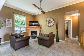 Photo 3: 35624 DINA Place in Abbotsford: Abbotsford East House for sale : MLS®# R2410757