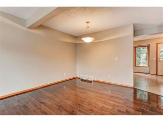 Photo 14: 462 REGAL Park NE in Calgary: Renfrew_Regal Terrace House for sale : MLS®# C4019650