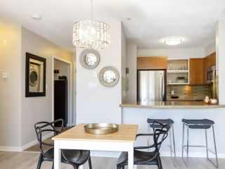 "Photo 6: 302 3161 W 4TH Avenue in Vancouver: Kitsilano Condo for sale in ""Bridgewater"" (Vancouver West)  : MLS®# R2443510"