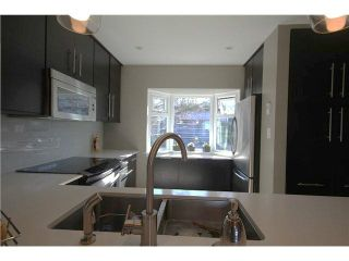 """Photo 4: 1337 W 8TH Avenue in Vancouver: Fairview VW Townhouse for sale in """"FAIRVIEW VILLAGE"""" (Vancouver West)  : MLS®# V1114051"""