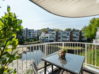 """Photo 10: 1594 ISLAND PARK Walk in Vancouver: False Creek Townhouse for sale in """"THE LAGOONS"""" (Vancouver West)  : MLS®# R2297532"""
