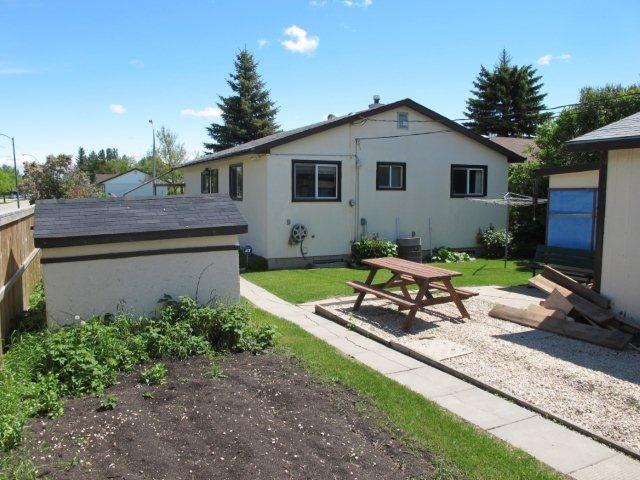 Photo 3: Photos:  in WINNIPEG: Westwood / Crestview Residential for sale (West Winnipeg)  : MLS®# 1111676