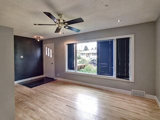 Photo 2: 2013 24 Avenue NW in Calgary: Banff Trail Detached for sale : MLS®# A1135681