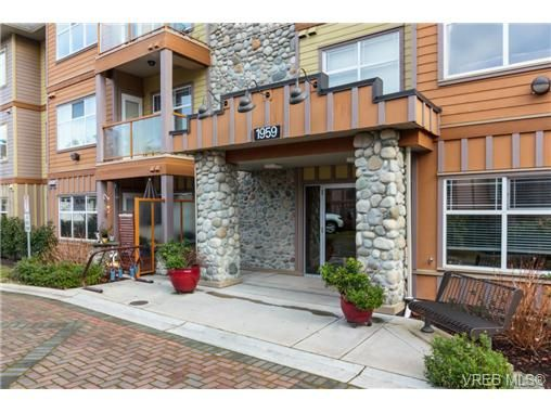 Main Photo: 213 1959 Polo Park Crt in SAANICHTON: CS Saanichton Condo for sale (Central Saanich)  : MLS®# 719040