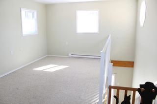 Photo 13: 625 10th Avenue: Montrose House for sale