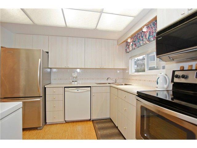Photo 8: Photos: 302 1390 Martin Street: White Rock Condo for sale (South Surrey White Rock)  : MLS®# F1427952