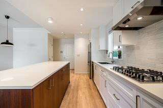 """Photo 3: 4 10611 GILBERT Road in Richmond: Woodwards Townhouse for sale in """"Preston"""" : MLS®# R2591228"""