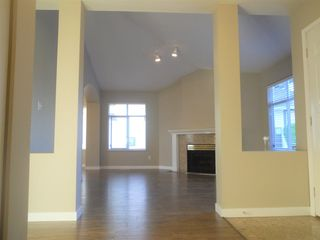 """Photo 7: 6 19649 53 Avenue in Langley: Langley City Townhouse for sale in """"Huntsfield Green"""" : MLS®# R2192002"""