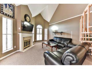 Photo 5: 304 7171 121 Street in Surrey: West Newton Condo for sale : MLS®# R2029159