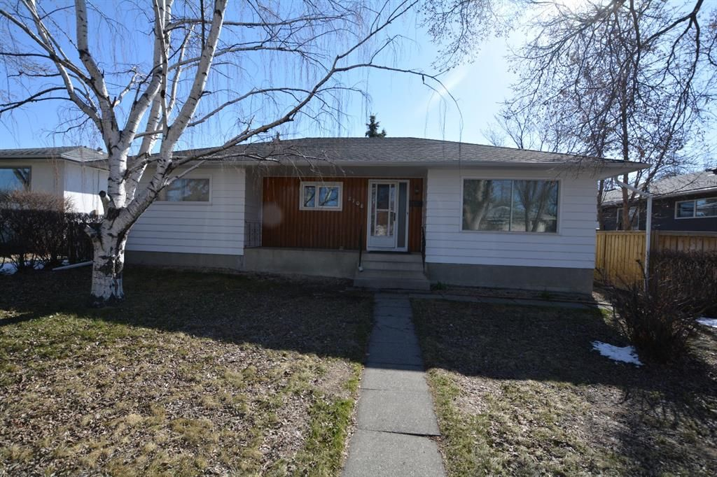Main Photo: 2708 17A Street NW in Calgary: Capitol Hill Detached for sale : MLS®# A1094236