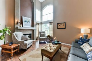 "Photo 2: 21568 86A Crescent in Langley: Walnut Grove House for sale in ""Forest Hills"" : MLS®# R2276258"