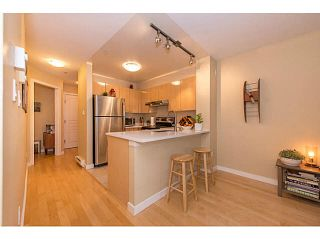 """Photo 5: 206 3278 HEATHER Street in Vancouver: Cambie Condo for sale in """"The Heatherstone"""" (Vancouver West)  : MLS®# V1121190"""