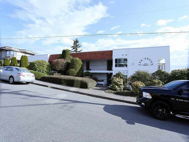 "Main Photo: 204 15070 PROSPECT Avenue: White Rock Condo for sale in ""LOS ARCOS"" (South Surrey White Rock)  : MLS®# F1434056"