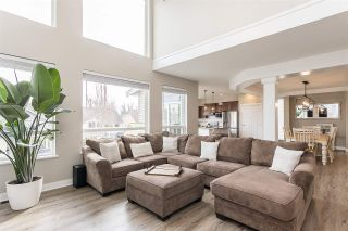 """Photo 14: 2290 CHARDONNAY Lane in Abbotsford: Aberdeen House for sale in """"Pepin Brook"""" : MLS®# R2555950"""