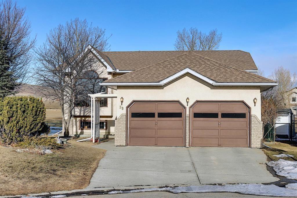 Main Photo: 39 Riverview Close: Cochrane Detached for sale : MLS®# A1079358