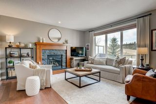 Photo 5: 23 ELGIN ESTATES SE in Calgary: McKenzie Towne Detached for sale : MLS®# C4236064