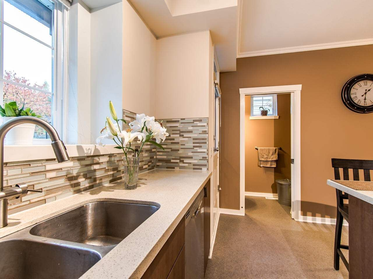 """Photo 7: Photos: 7 2200 PANORAMA Drive in Port Moody: Heritage Woods PM Townhouse for sale in """"THE QUEST"""" : MLS®# R2414883"""