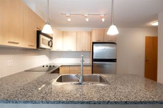 "Photo 17: 706 1199 SEYMOUR Street in Vancouver: Downtown VW Condo for sale in ""BRAVA"" (Vancouver West)  : MLS®# R2531853"