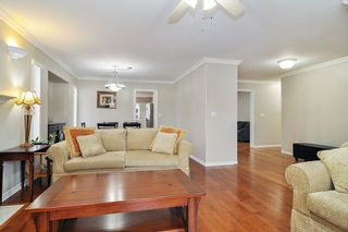 """Photo 3: 18598 58 Avenue in Surrey: Cloverdale BC House for sale in """"CLOVERDALE"""" (Cloverdale)  : MLS®# R2439843"""