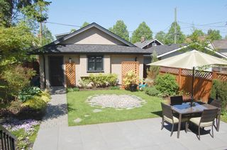 """Photo 10: 855 W 19TH AV in Vancouver: Cambie House for sale in """"DOUGLAS PARK"""" (Vancouver West)  : MLS®# V988760"""